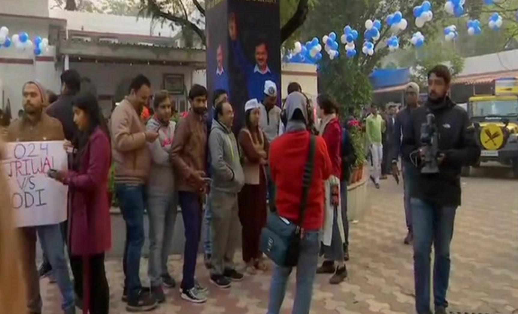 டெல்லி தேர்தல் : மோடி வாழ்த்து… இணைந்து செயல்பட அரவிந்த் கேஜ்ரிவால் விருப்பம்!