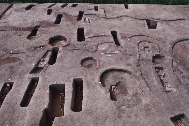 எகிப்தில் 5 ஆயிரம் ஆண்டுகளுக்கு முந்தைய 11ண கல்லறைகள் கண்டுபிடிப்பு..!
