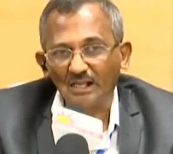 Dr M Ravindran